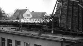 Tajfun, který poškodil střechu nemocnice (70. léta)